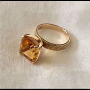 Jewelry - Stunning Citrine Ring 14kt